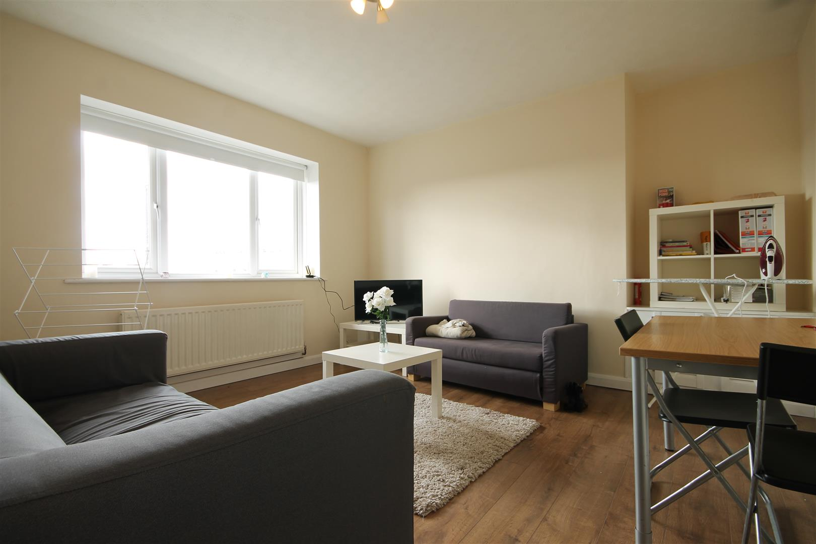A City Road Newcastle Upon Tyne, 3 Bedrooms  Apartment ,To Let